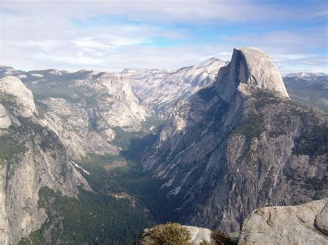 Yosemite Valley and Half Dome, along Four Mile Trail, view