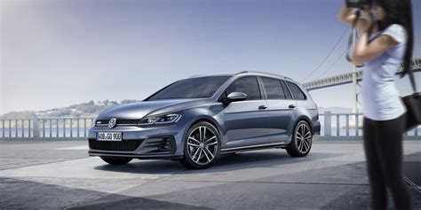 2017 VW Golf GTE and GTD Facelift Launched and Priced