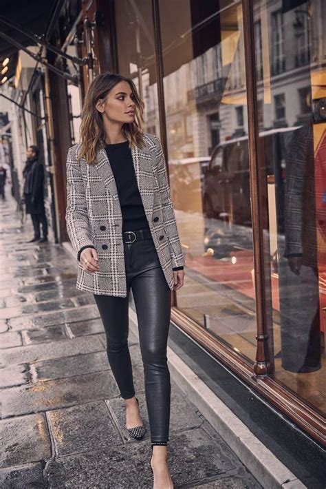 Autumn outfit business work leather leggings blazer